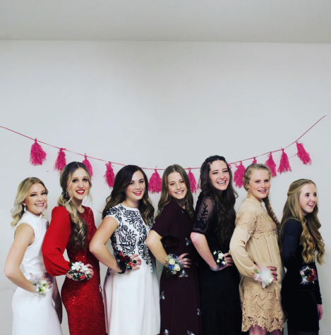 MHS Students Prepare for Winter Formal