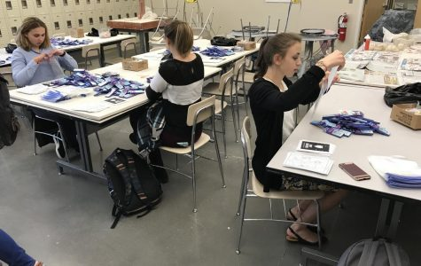 Art Club Colors Elementary School with their Service