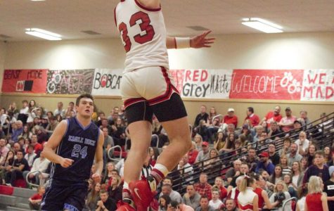 Madison Basketball Steps Back in Time